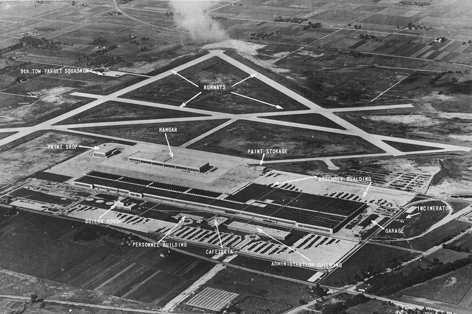 Douglas Chicago Aircraft Assembly Plant (aerial)